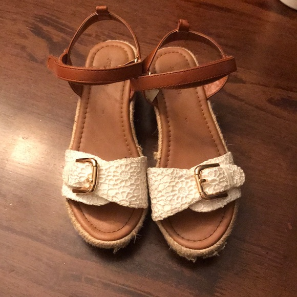 4574c1349a1a Joe Fresh Other - Girls size one wedge sandals